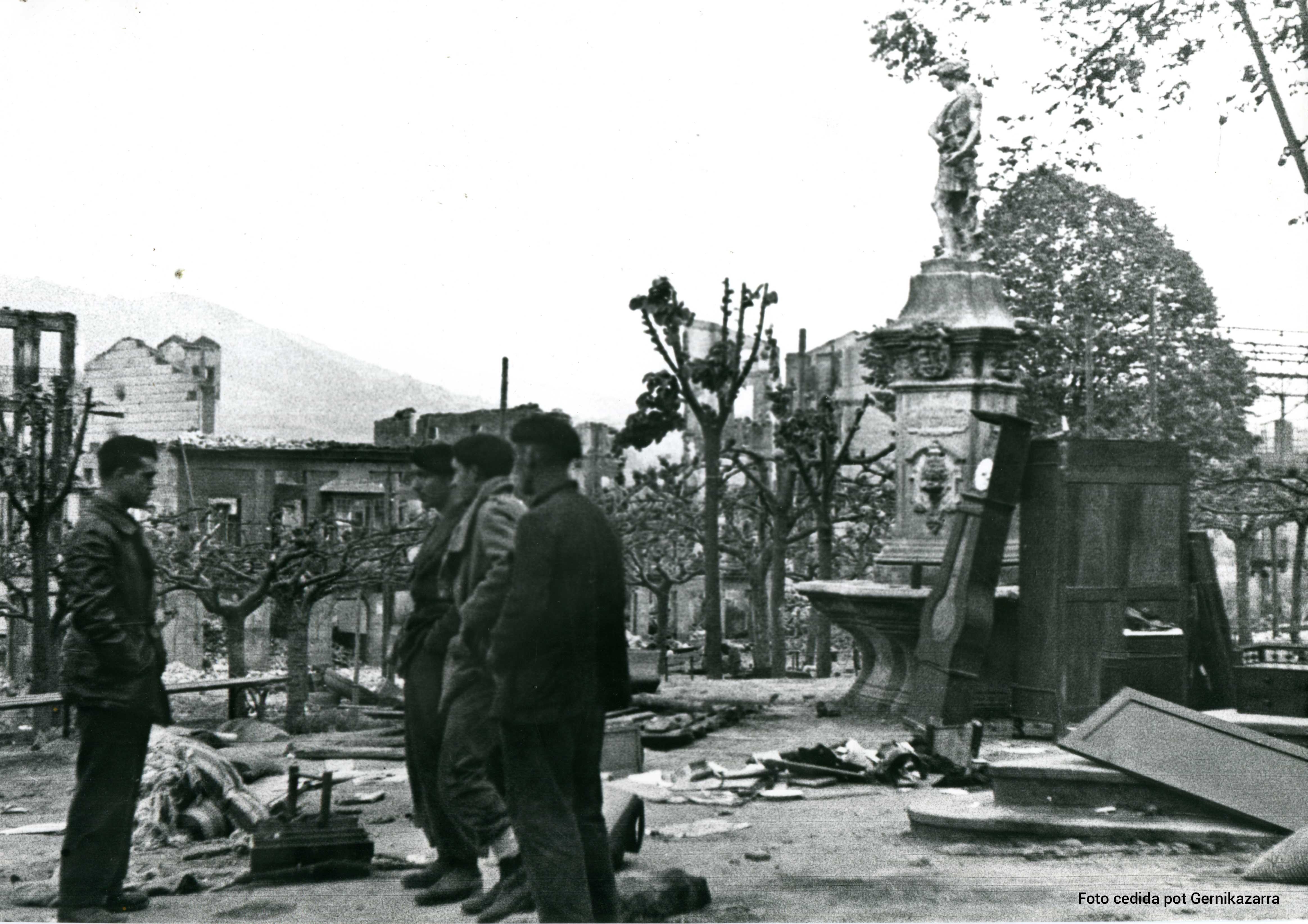 Bombardeo de Gernika ruinas ferial